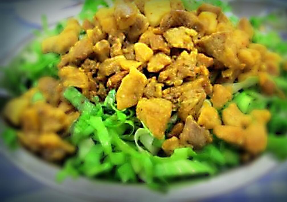 Salada de escarola com torresmo
